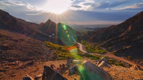 Puesta del sol y ruta