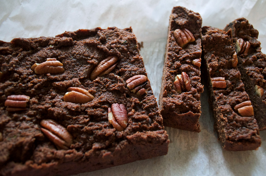 Chocolate Zucchini Bread (paleo, gluten free)