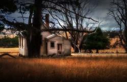 emu-flats-schoolhouse-abandoned-colour