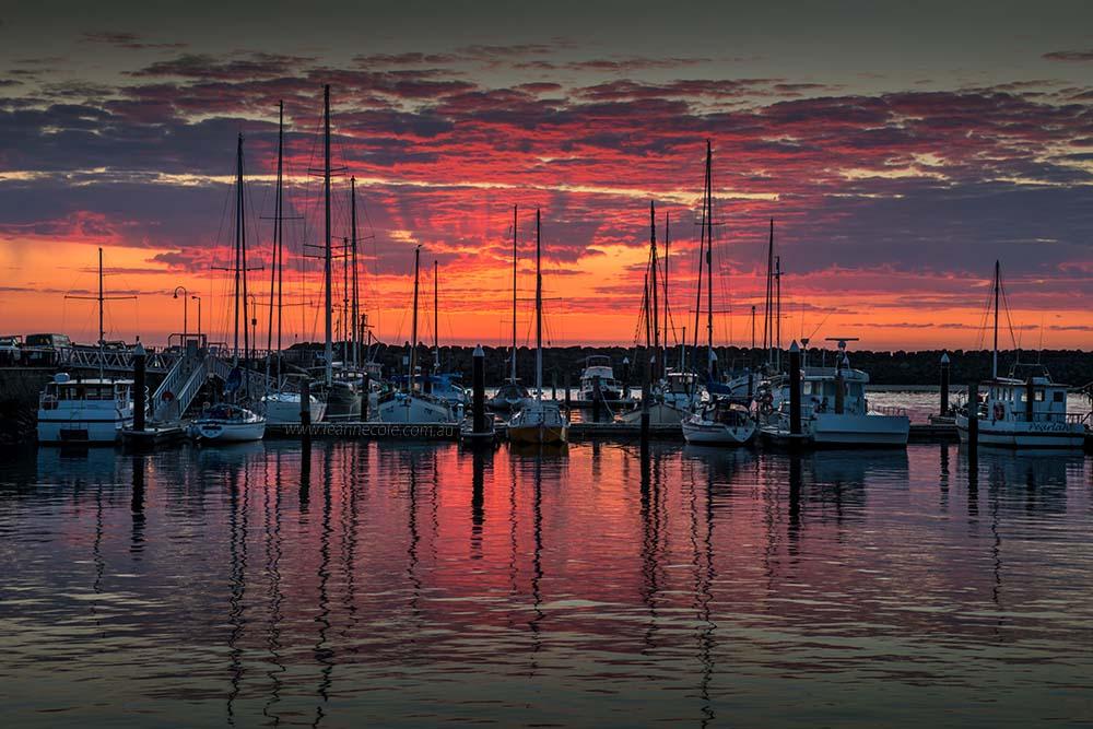 apollo-bay-sunrise-boats-harbour