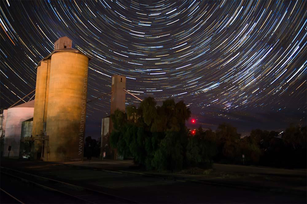 woomelang-star-trail-silos-web