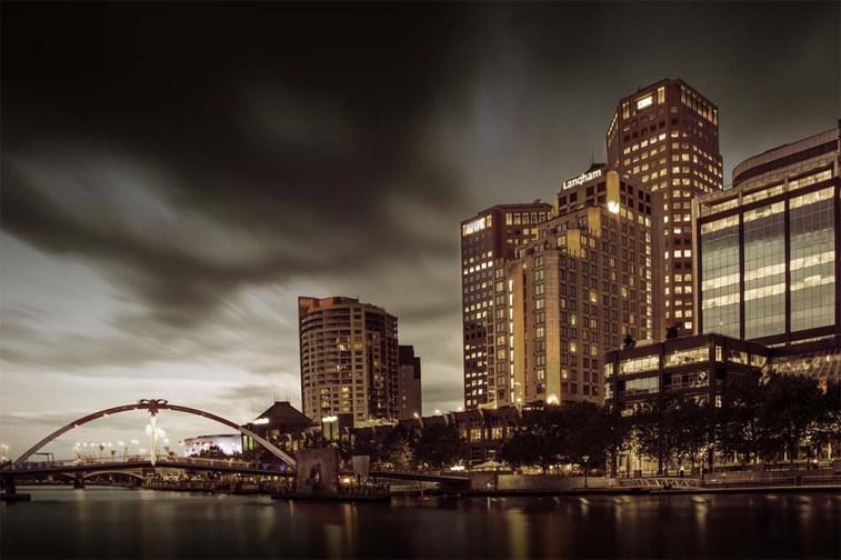 southbank-river-longexposure-clouds-night