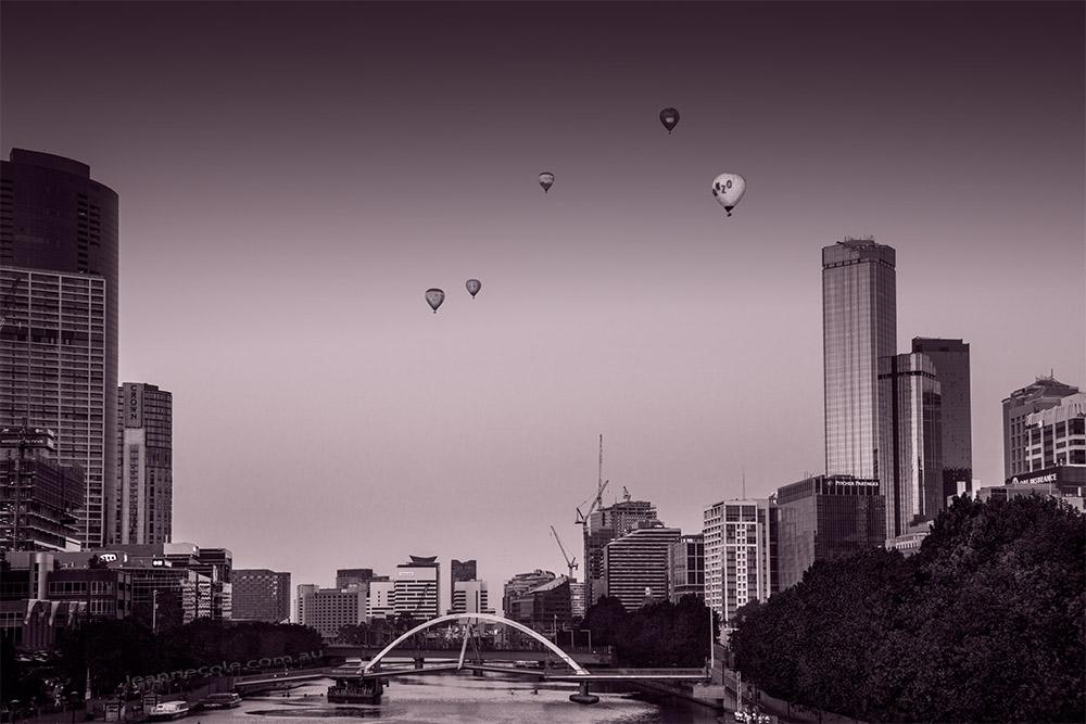 yarra-river-balloons-melbourne-sunrise-monochrome