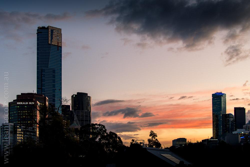 Melbourne-night-sunset-birrarungmar-traffic-5770