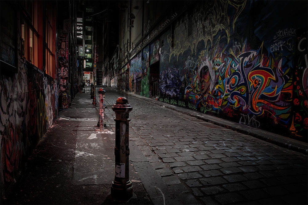 night-hosier-lane-melbourne-graffiti-5906