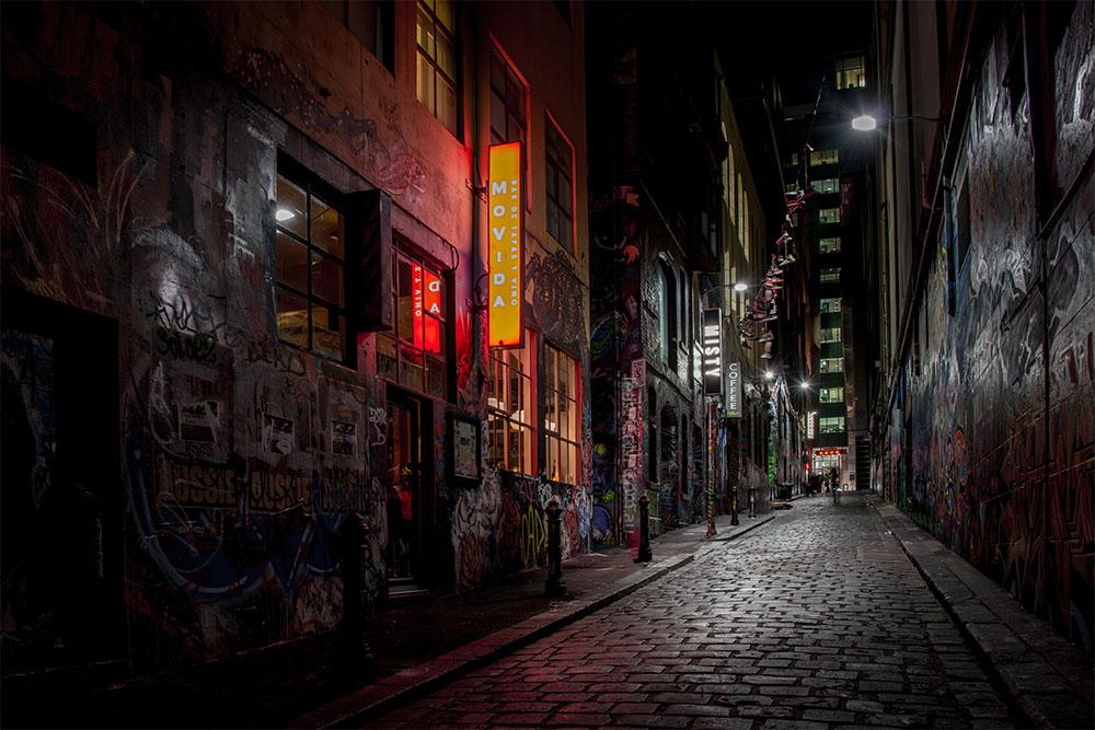 night-hosier-lane-melbourne-graffiti
