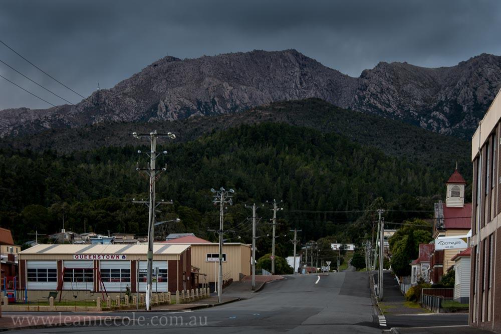 queenstown-streets-mining-mountains-tasmania-2228