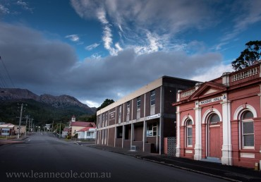 queenstown-streets-mining-mountains-tasmania-2228