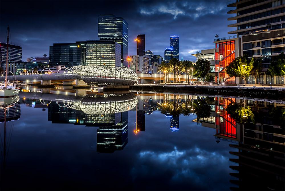 docklands-bluehour-reflections-water-melbourne