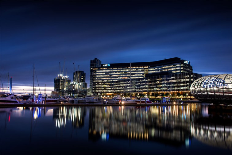 docklands-long-exposure-bluehour-melbourne
