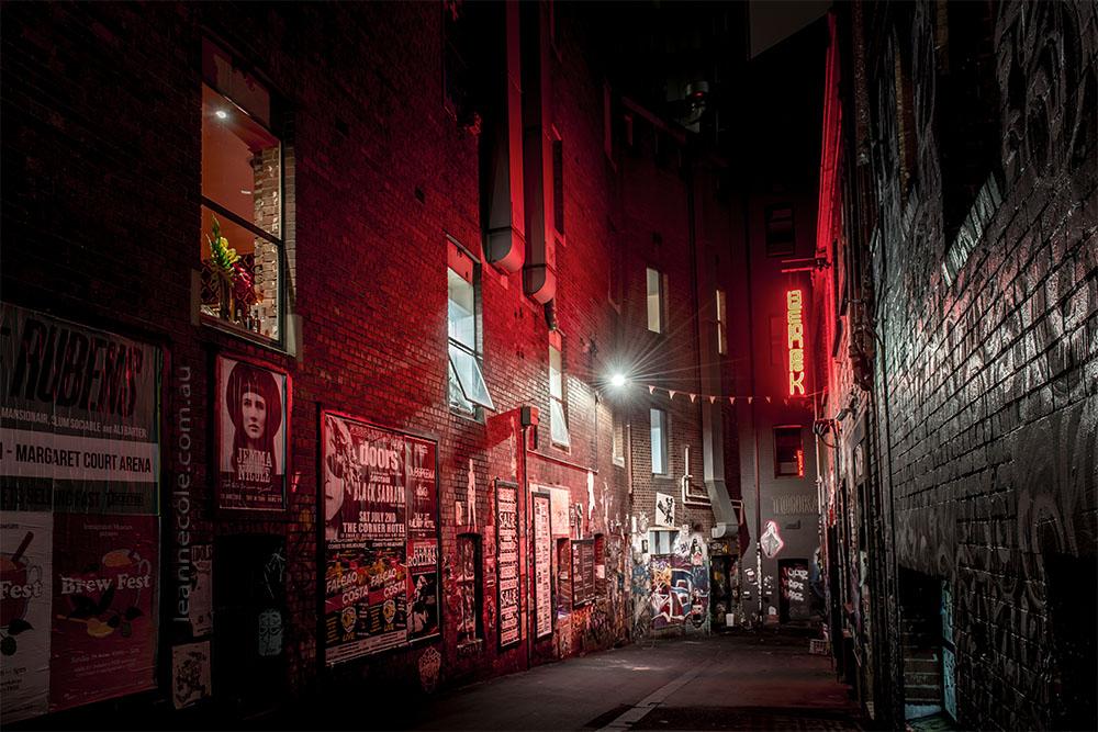 duckboard-place-melbourne-lanes-night