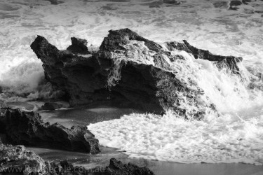 beach-sorrento-water-waves-rocks-3