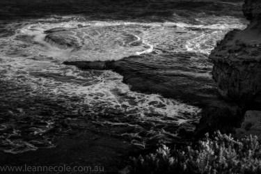 beach-sorrento-water-waves-rocks-8