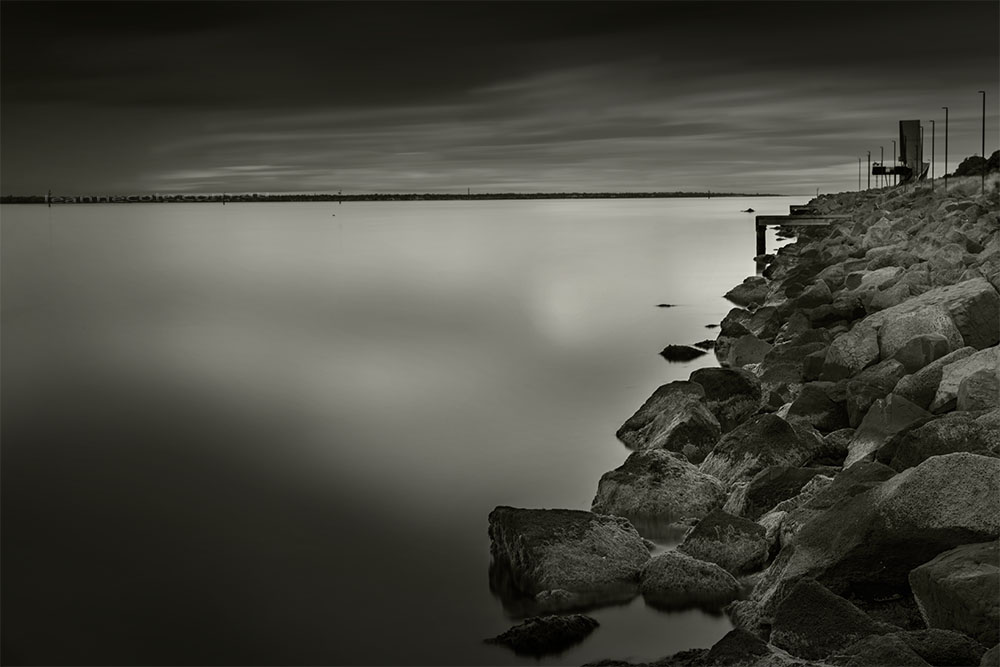 port-melbourne-longexposure-bay-rocks