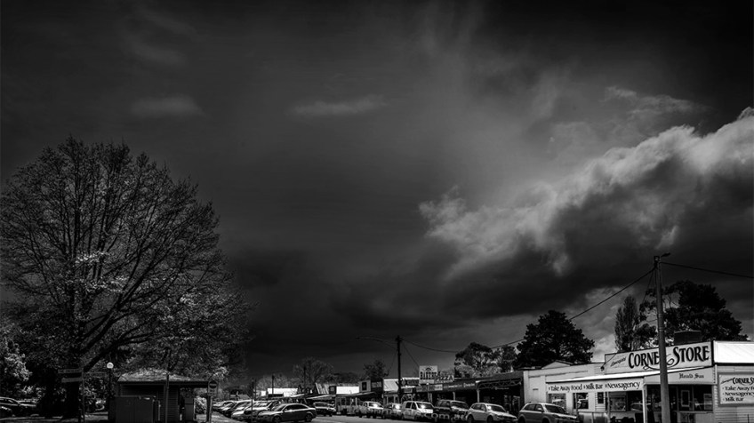lancefield-storm-approaching-monochrome