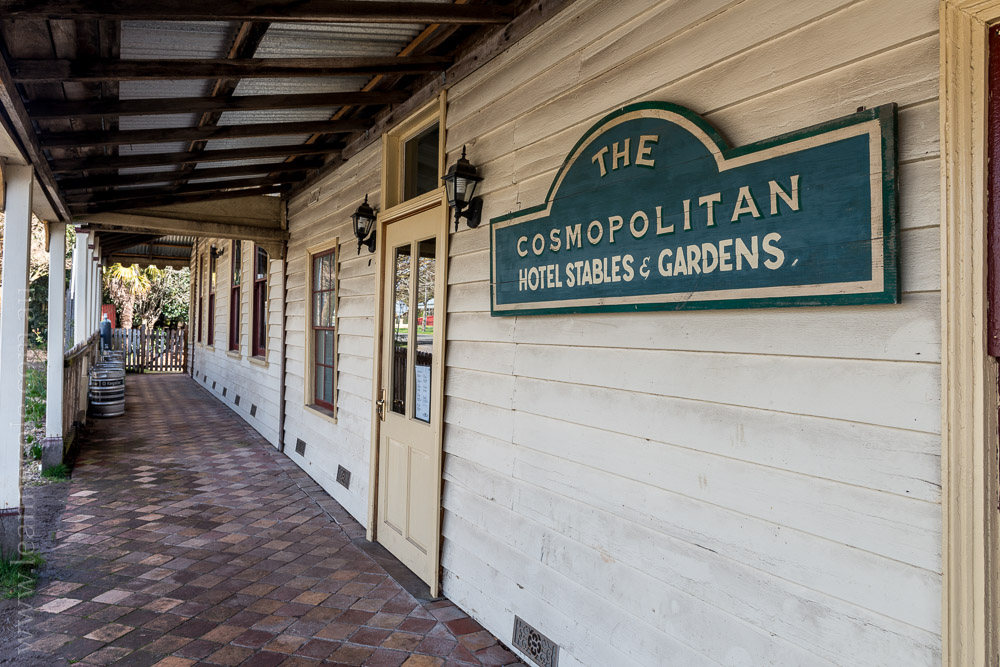 trentham-trainstation-waterfall-pub-victoria-3938