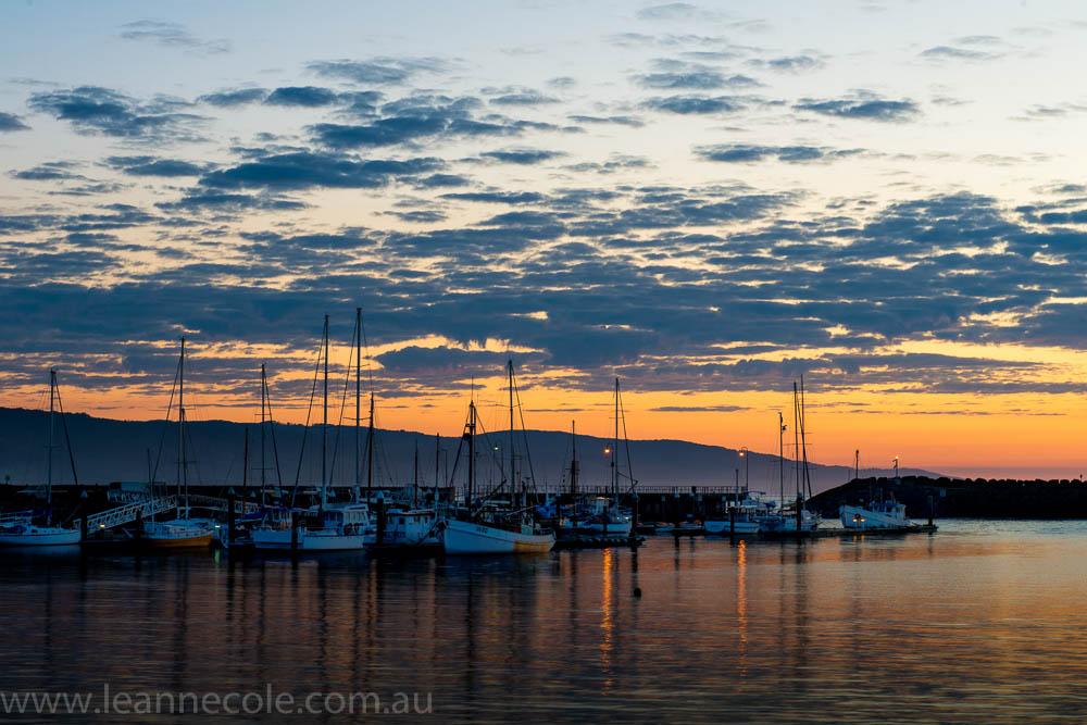apollo-bay-sunrise-harbour-boats-1