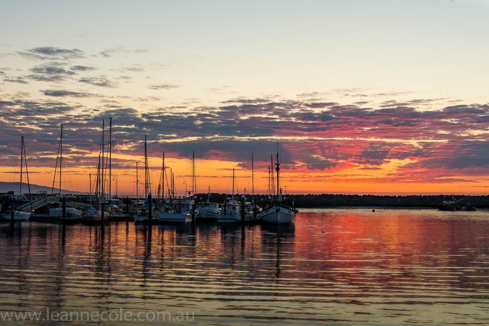 apollo-bay-sunrise-harbour-boats-2