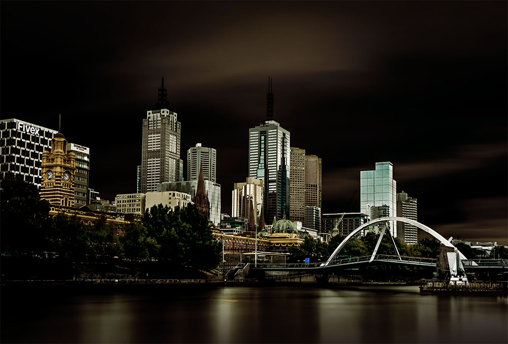 melbourne-long-exposure-river-southbank