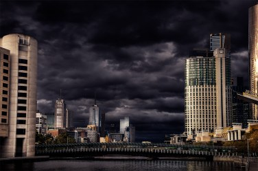 melbourne-skyline-city-overcast-river