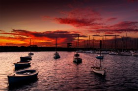 stkilda-pier-sunset-boats-melbourne