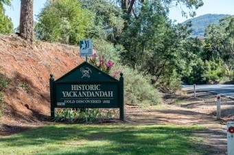 yackandandah-town-gorge-gold-old-1090
