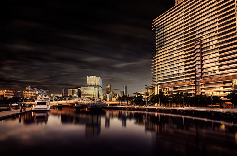 docklands-webbbridge-boats-wideangle-longexposure