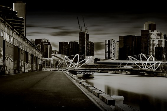 monochrome-seafarers-bridge-longexposure-melbourne