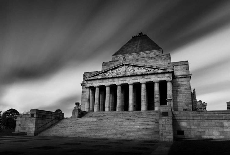 shrine-rememberance-melbourne-memorial-longexposure