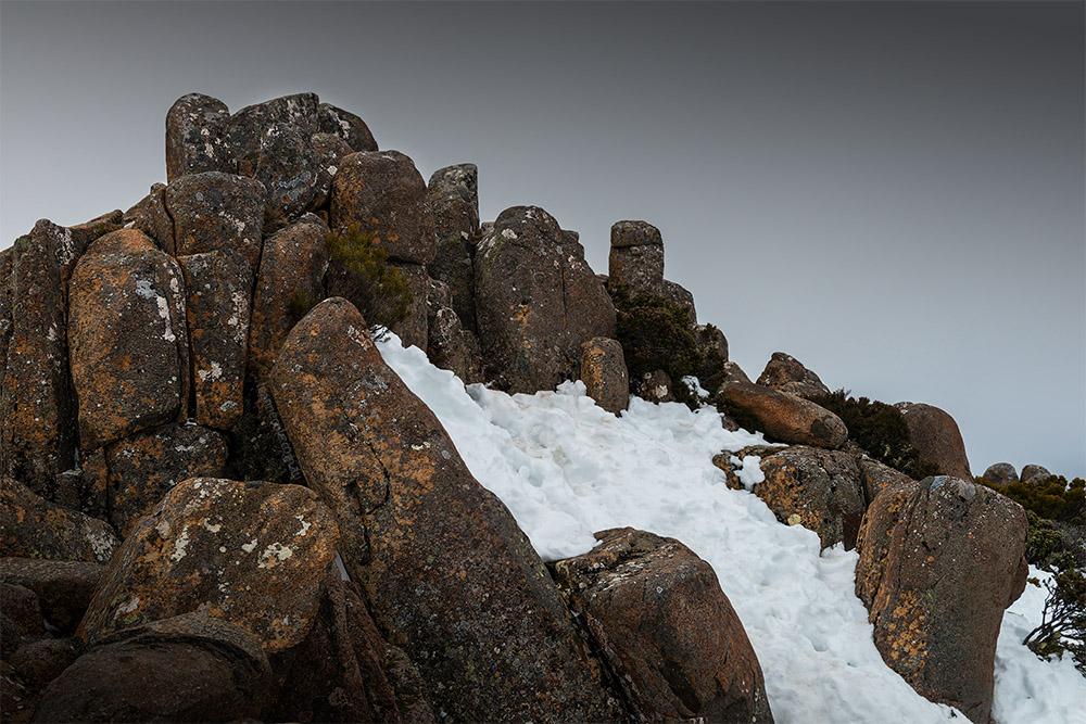 mt-wellington-snow-tasmania-rocks