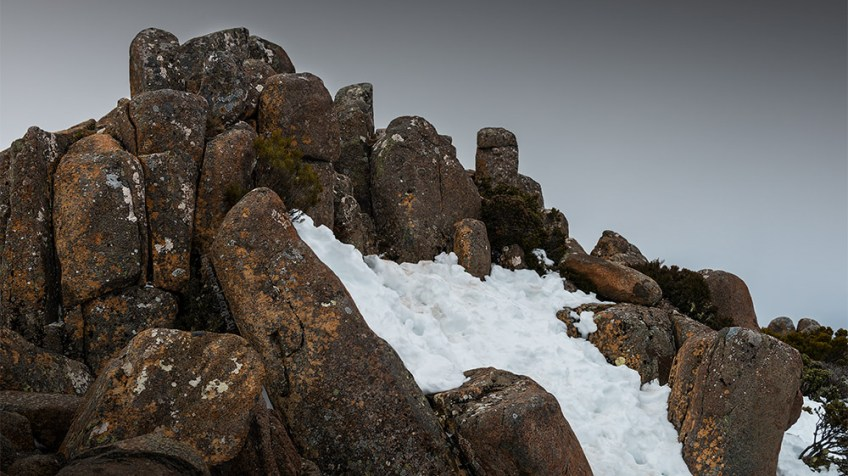 mt-wellington-snow-tasmania-rocks