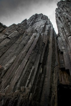 tasmanisland-cruise-pennicott-tasmania-cliffs-9625