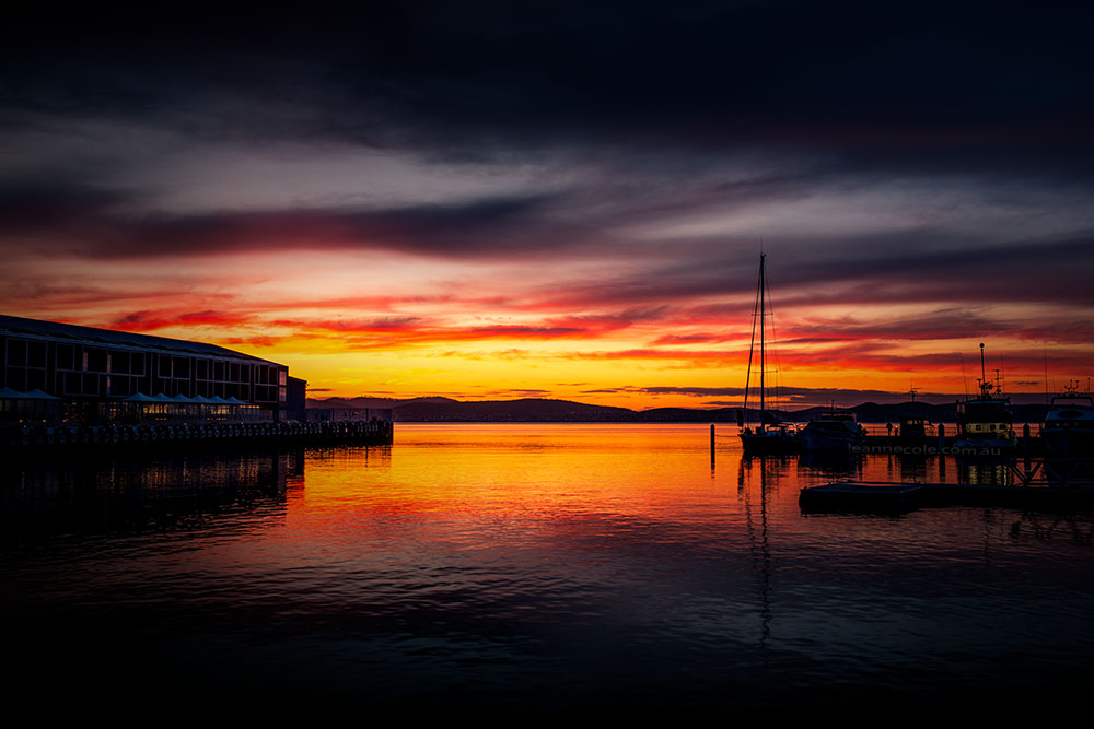 sunrise-hobart-harbour-boats-river