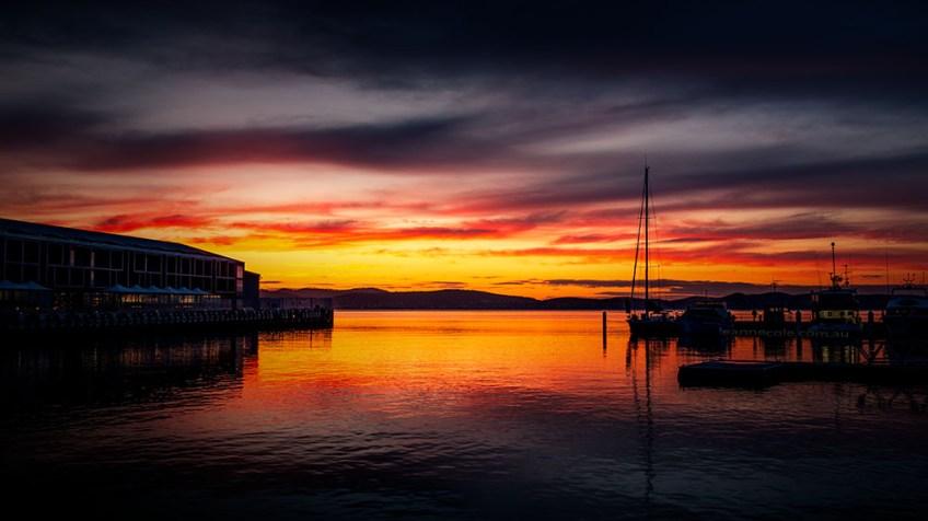 sunrise-hobart-harbour-boats-river