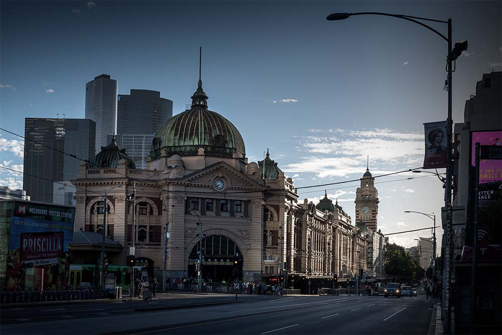 flinders-street-station-afternoon-sun