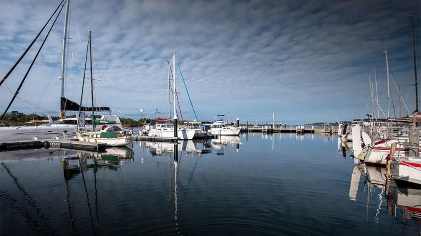 paynesville-marina-fujifilm-boats-morning