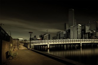 photo challenge 1 - Bridge queens-street-bridge-park-bench-melbourne