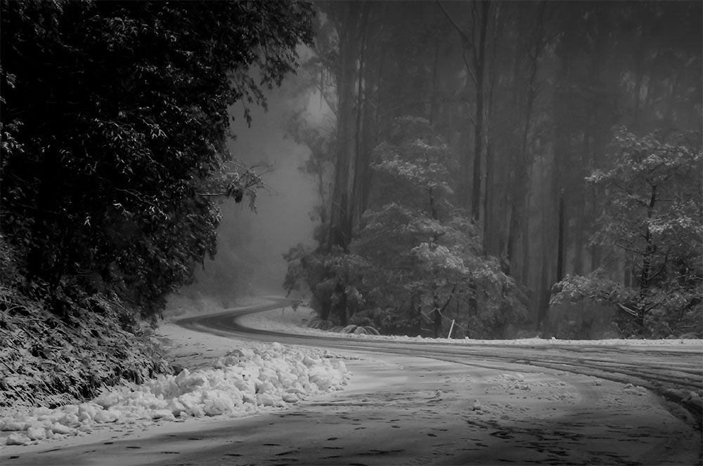 seasons-winter-snow-donnabuang-monochrome