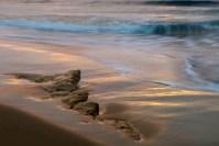 janjuc-beach-sunrise-rocks