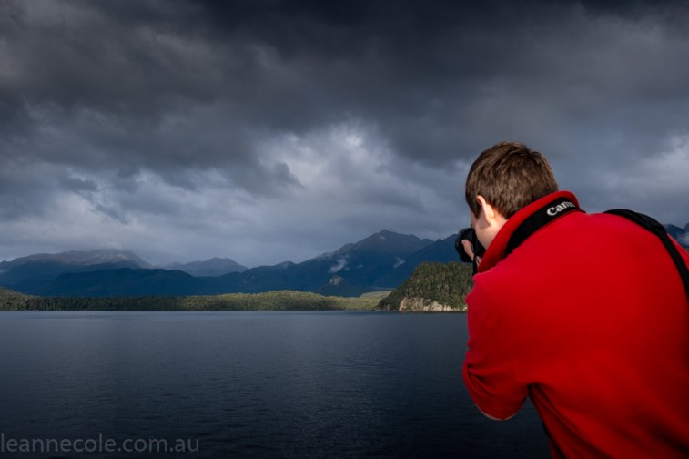 doubtfulsound-weather-waterfalls-newzealand-boat-0518
