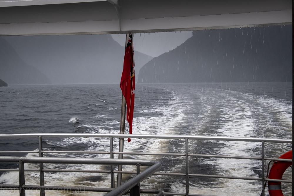 doubtfulsound-weather-waterfalls-newzealand-boat-0749