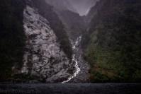 doubtfulsound-weather-waterfalls-newzealand-boat-0770