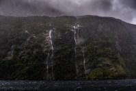 doubtfulsound-weather-waterfalls-newzealand-boat-0817