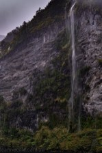 doubtfulsound-weather-waterfalls-newzealand-boat-0862