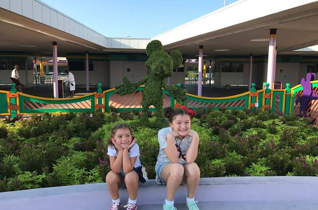 Saving Money at Disney World [14 Can't-Miss Tips]
