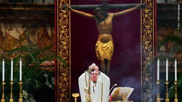 Papa Francisco celebrando missa de páscoa Páscoa Papa Francisco