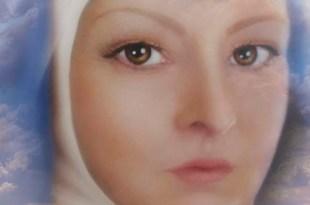 ilustração do rosto de Joanna de Ângelis com o céu e muvens cor de rosa Joanna de Ângelis equilibrar emoções