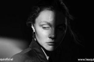 rosto de mulher demonstrando tristeza consumir vitalidade