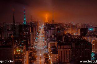 imagem aérea noturna da Avenida Paulista recuperação verde e saudável