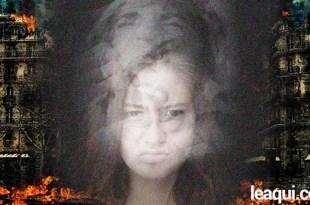 rosto de uma moça no centro com sobreposição de formas mentais em forma de rosto perturbado em meio a um cenário de caos formas mentais
